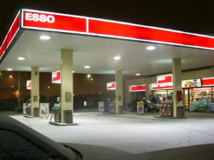 Esso_gas_station_finland